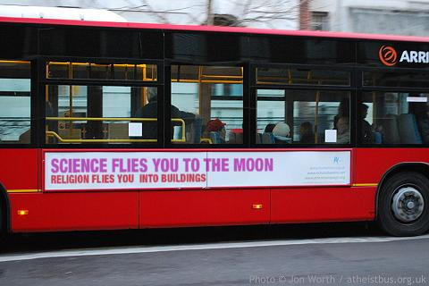 science_flies_to_moon
